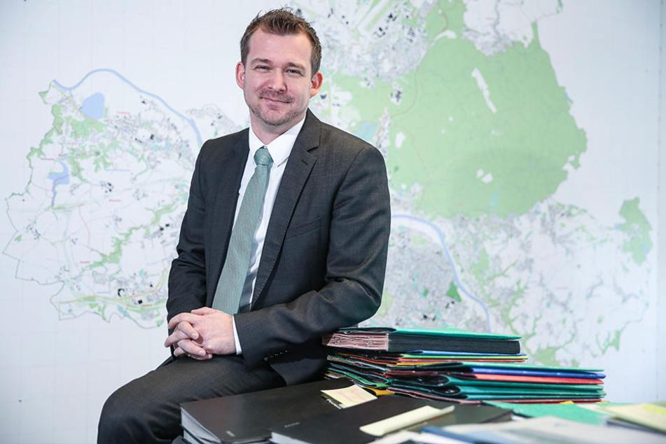 Baubürgermeister Raoul Schmidt-Lamontain (41, Grüne) wirbt auf der Messe für die Dresdner Großprojekte.