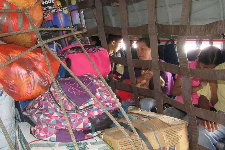 Einst versorgte der Flieger West-Berlin, heute bringt er Waren und Menschen in den Dschungel Kolumbiens.
