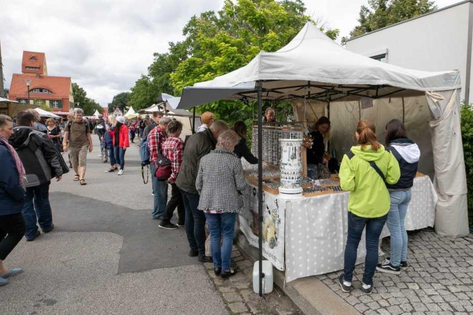 Beutezug auf dem Elbhangfest: Diebe plündern Schmuck-Stand
