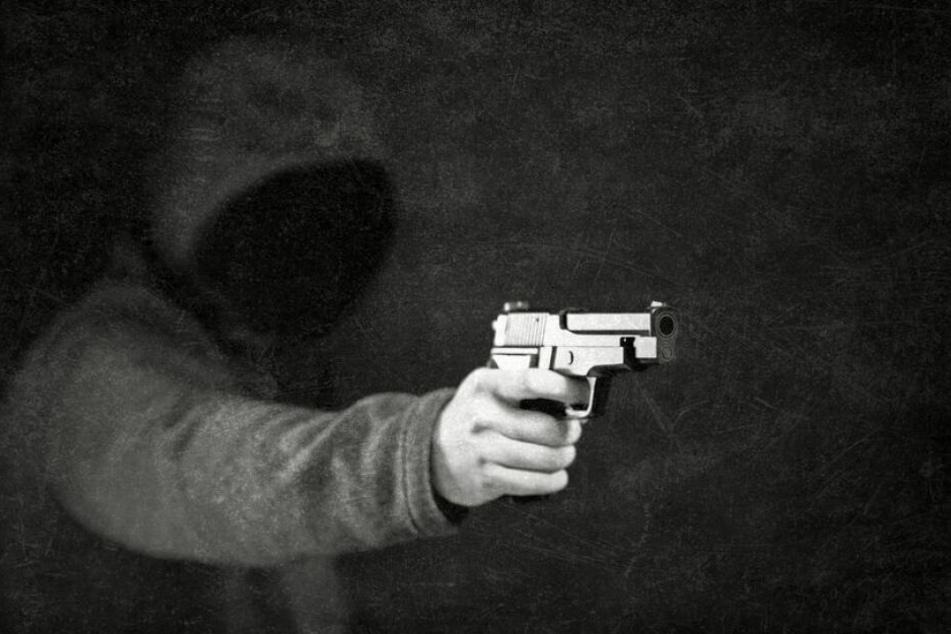 Zeugen hörten Schüsse und riefen die Polizei. (Symbolbild)