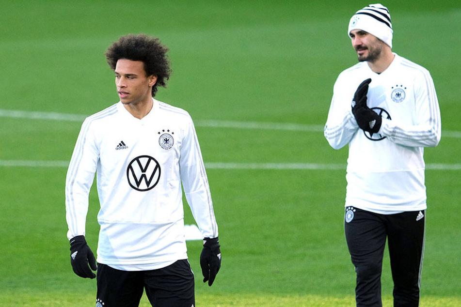 Leroy Sané und Ilkay Gündogan trainierten vor der Partie gegen Serbien bereits gemeinsam in der Wolfsburger Arena.