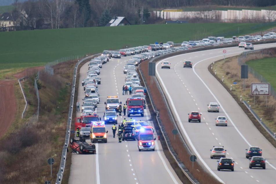 Durch den Unfall kam es zu einem Mega-Stau auf der A72.