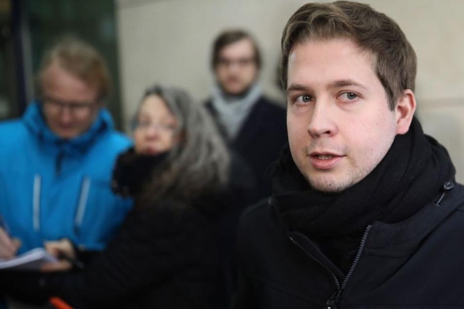 Kevin Kühnert spricht nach der Verkündung des SPD-Jas zur Groko.
