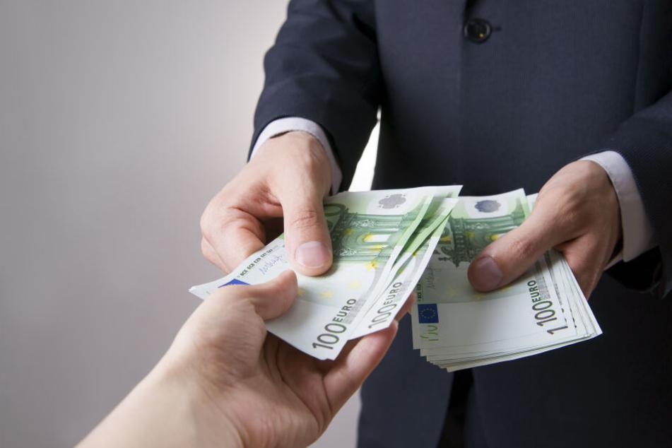Der Geschäftsmann zahlte insgesamt 1,6 Millionen Euro Lösegeld. (Symbolbild)