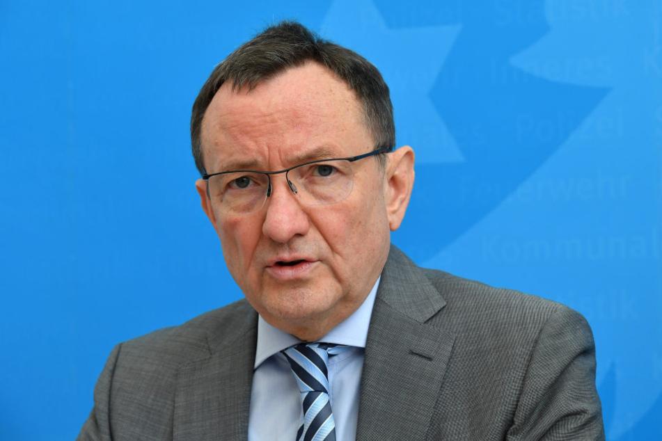 Die Beteiligung Thüringens am Zentrum soll laut Innenminister Holger Poppenhäger in den nächsten vier Wochen beschlossen werden.