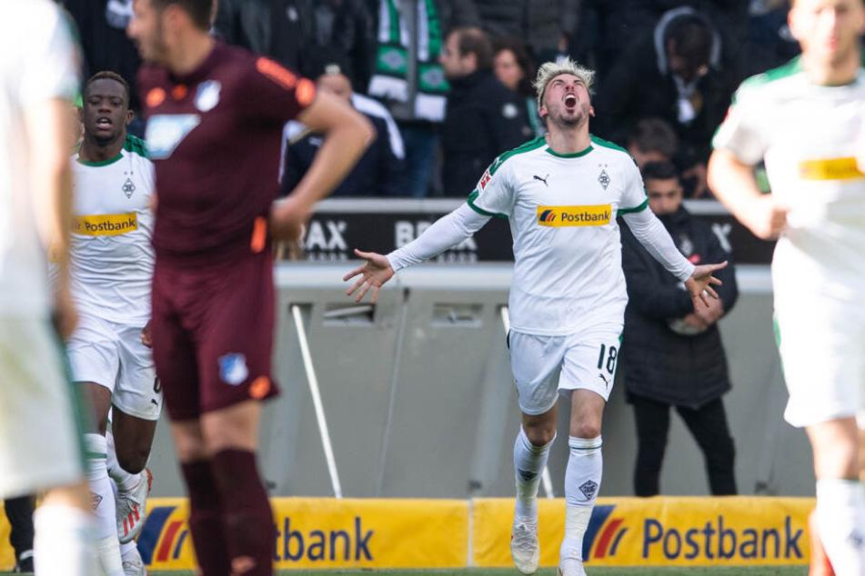 Gladbachs Josip Drmić jubelt über seinen Treffer zum 2:2.