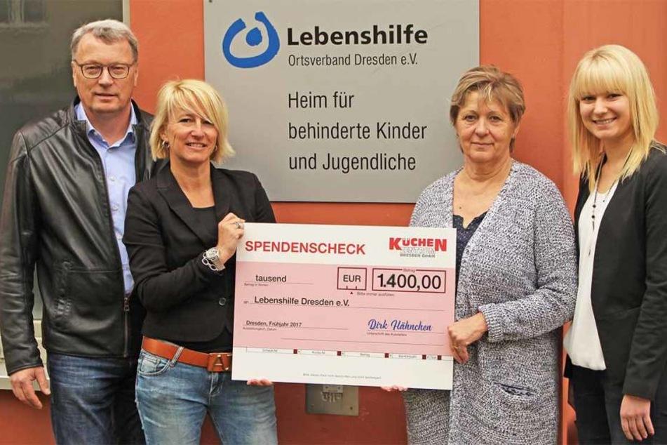 Bei der letzten Spendenaktion sammelte das Küchenzentrum insgesamt 1.400 Euro für die Lebenshilfe Dresden.