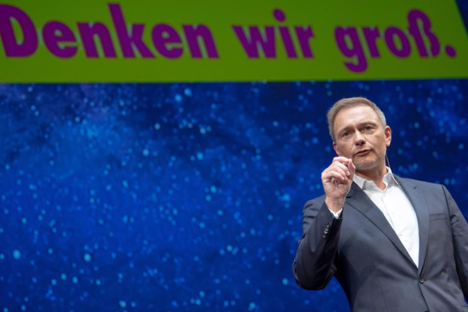 Christian Lindner, Parteivorsitzender der FDP, spricht während des Dreikönigstreffens der FDP im Stuttgarter Opernhaus.