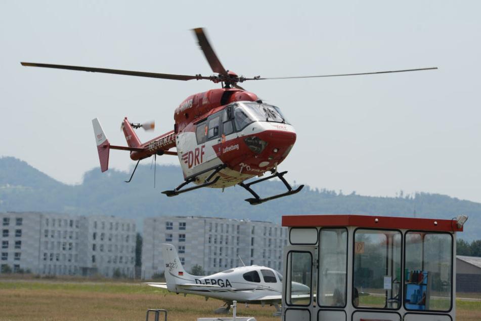 Ein Hubschrauber war bei der Rettung beteiligt. (Symbolbild)