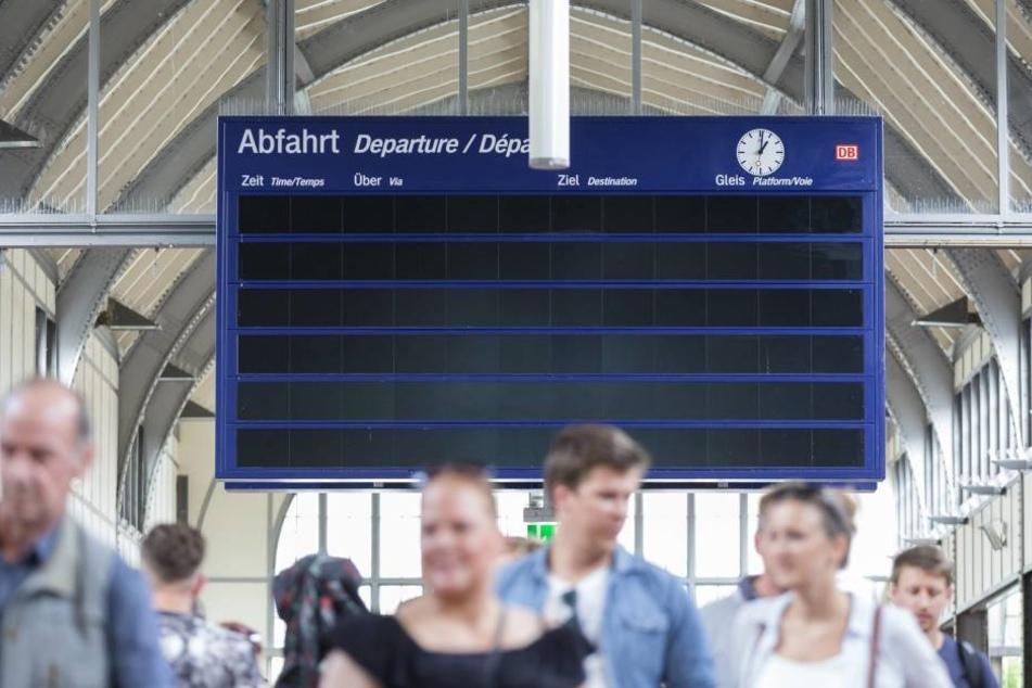 Ein 56-Jähriger brachte sich mit seiner vorlautenden Art am Bahnhof selbst in die Bredouille (Symbolbild).