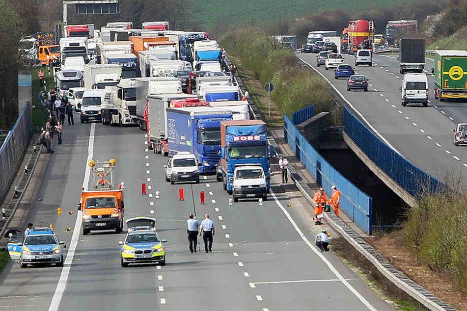 Die A2 in Richtung Hannover ist zurzeit komplett gesperrt.