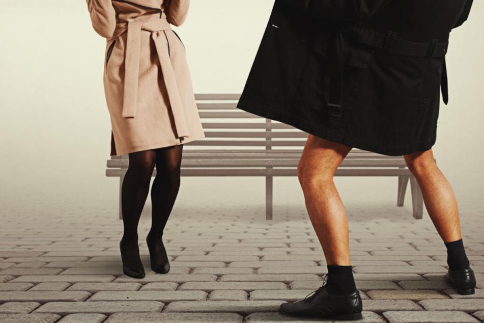 Sie drehte sich um, er stand mit offener Hose da und spielte an seinem Geschlechtsteil. (Symbolbild)