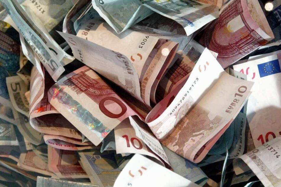 Ein Spieler gewann alleine 31,5 Millionen Euro. (Symbolbild)