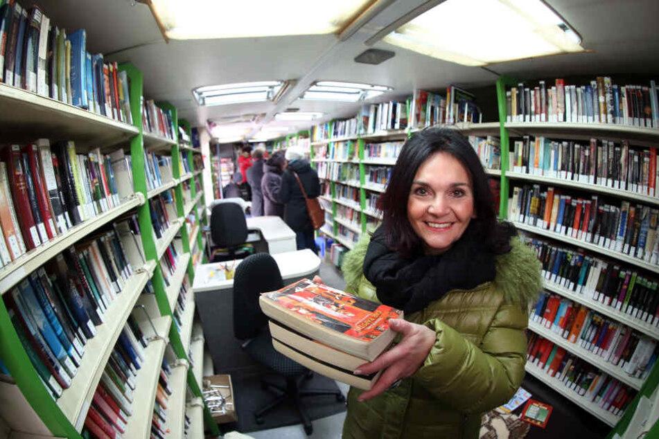 Bibliothekschefin Elke Beer informierte ihre Nutzer per Rundmail über die Änderung in der Stadtbibliothek.