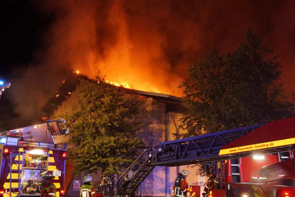 Brand in Biogasanlage mit Explosionen: Feuerwehreinsatz dauert noch Wochen!