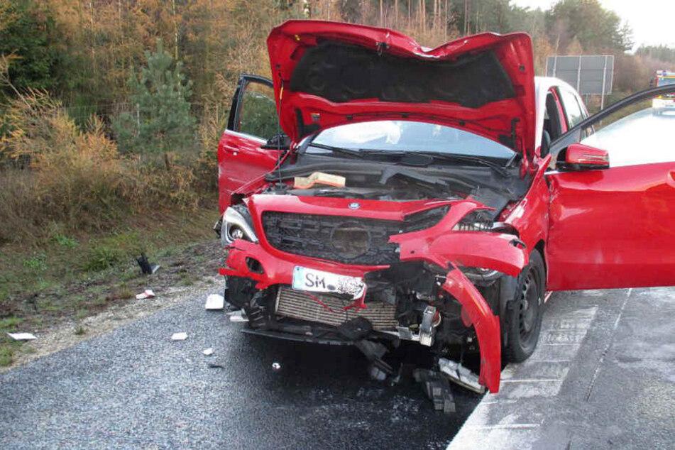 Der Mann verlor die Kontrolle über seinen Wagen und hinterließ einen großen Schaden.