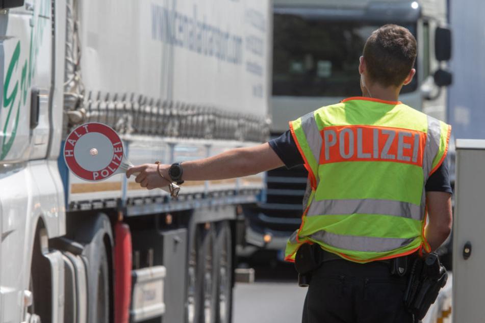 Die Bundespolizei geht davon aus, dass Schleuser sich neue Routen suchen. (Symbolbild)