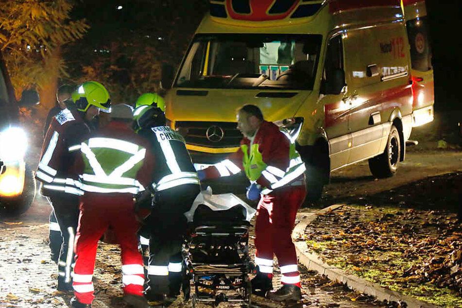 Bei einem Wohnungsbrand in Chemnitz wurde ein Mieter schwer verletzt.
