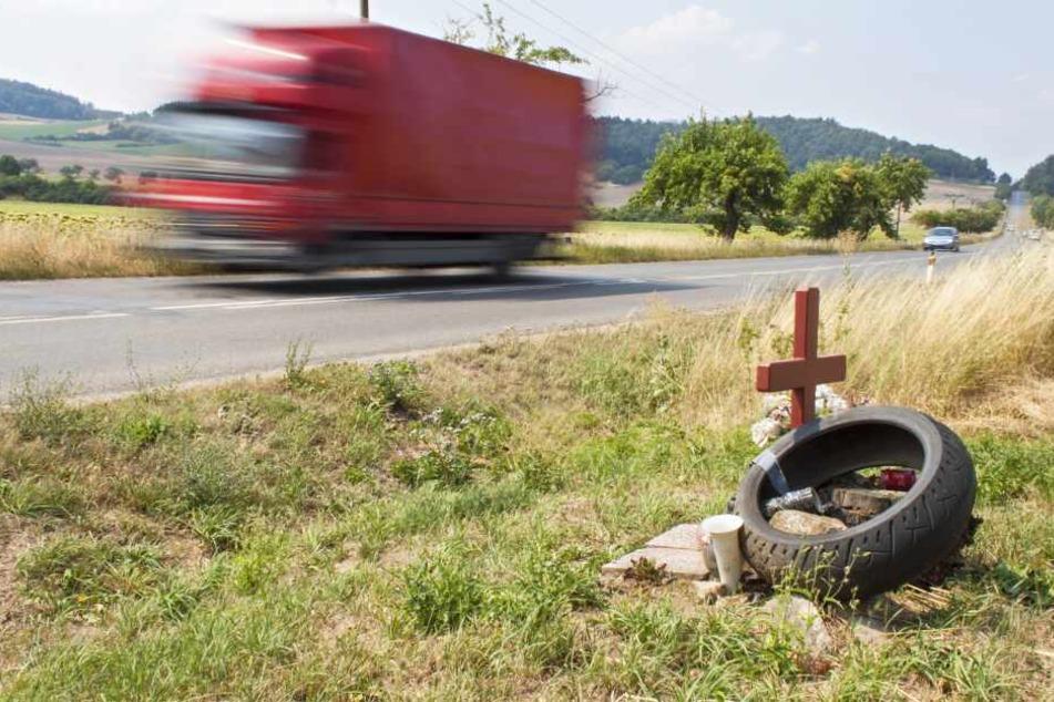 Ein Motorradfahrer ist bei einem Unfall in der Nähe von Eberswalde gestorben (Symbolbild).