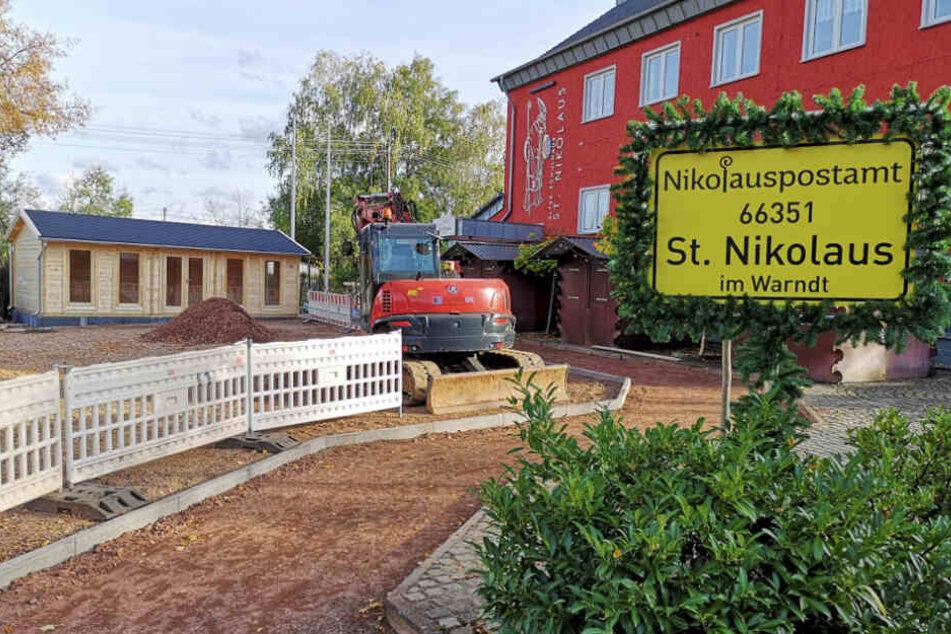 Neben dem Nikolauspostamt steht das Haus des Nikolaus.