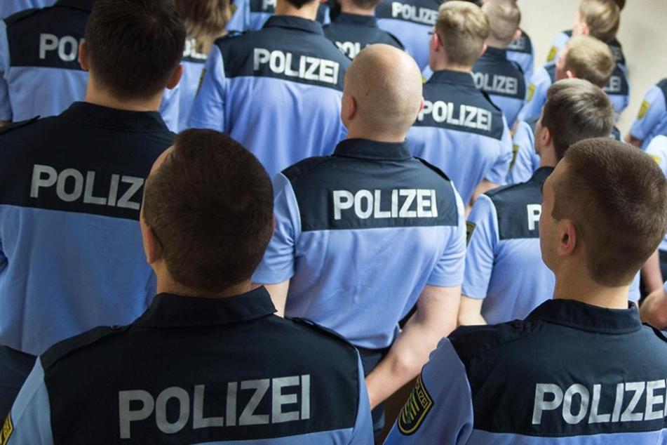 Auszubildende der sächsischen Wachpolizei: Die Kritik an den Hilfspolizisten ist nie verstummt. Auch die Gewerkschaft der Polizei lehnt das Modell ab.