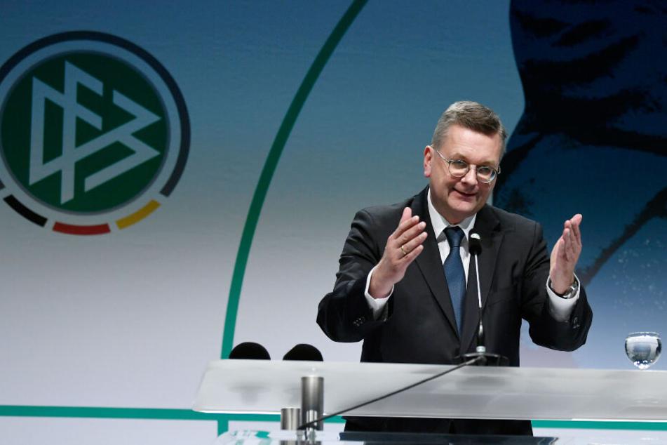 DFB-Präsident Reinhard Grindel spricht bei der Verleihung des Julius-Hirsch-Preises im Fußballmuseum in Dortmund (18.11.2018).