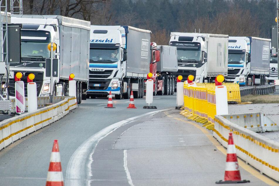 Vier Tage mit Lkw-Blockabfertigung nächste Woche! Staus befürchtet
