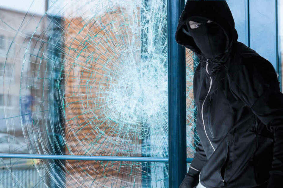 Die Polizei vermutet, dass es sich bei den drei Attacken um die selben Täter handelt (Symbolbild).