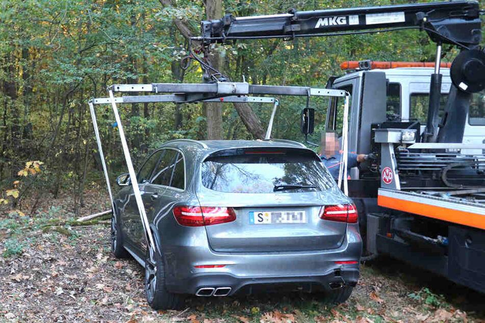 Endlich am Haken: Die Polizei ließ den in Hessen geklauten Super-Mercedes in Burkhammer sicherstellen.