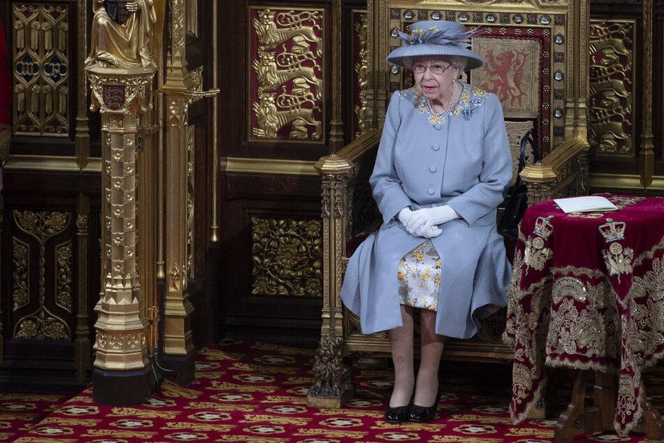 Queen eröffnet das britische Parlament, doch etwas fällt auf