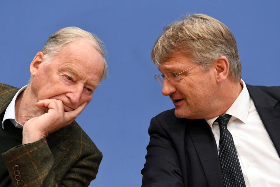 Jörg Meuthen (r), Parteivorsitzender der AfD, und Alexander Gauland, Fraktionsvorsitzender der AfD im Bundestag, sollten an der Wahlparty in Berlin teilnehmen.