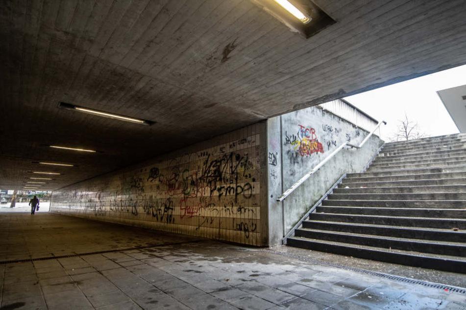 Eine Unterführung nahe dem Bahnhof in Amberg: Vier Jugendliche hatten dort auf Passanten eingeschlagen.