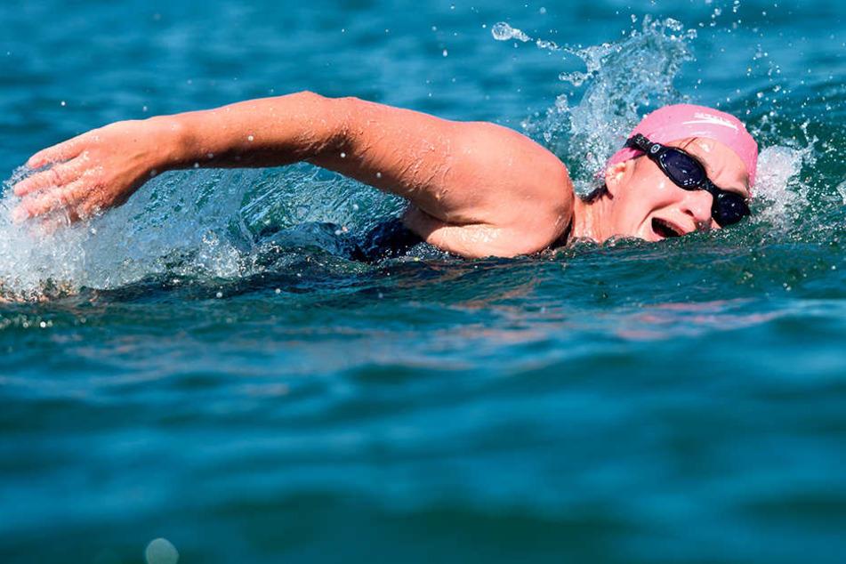 Kirsten Seidel (53) in ihrem Element: Hier im Bodensee, den sie als erste Frau nonstop von Nord nach Süd durchquerte.