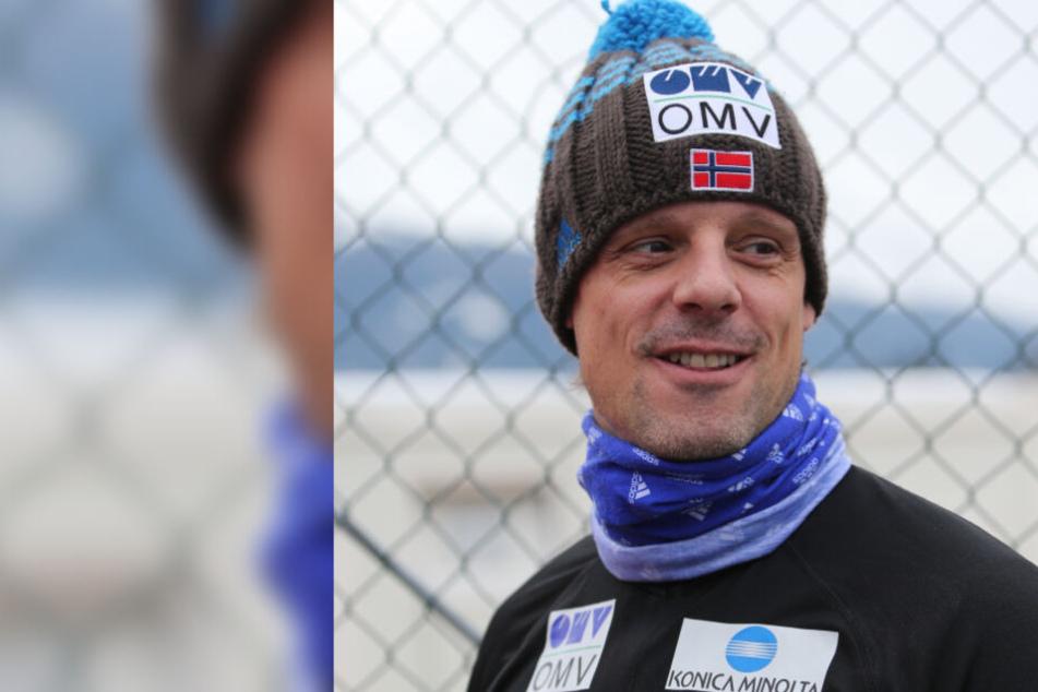 """Skisprung-Trainer Stöckl wütend: """"Vorspringer schlafen im Hotelflur"""""""