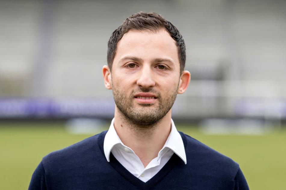 """Domenico Tedesco schaffte dank einer tollen Aufholjagd im Vorjahr mit den """"Veilchen"""" den Klassenerhalt, zog es dann aber vor, zu Bundesligist FC Schalke 04 zu wechseln."""