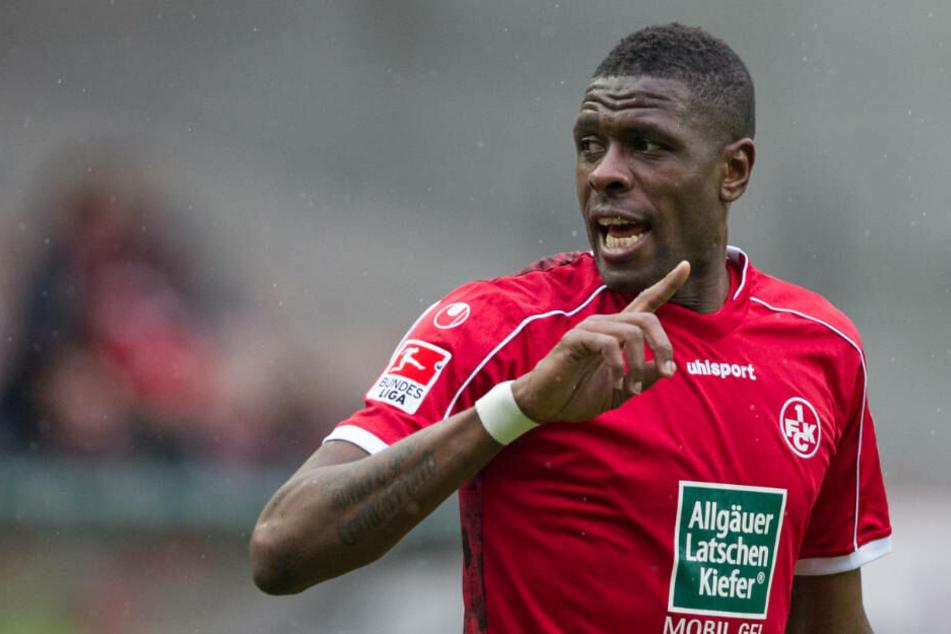 Mohamadou Idrissou im Trikot des 1. FC Kaiserslautern: Für die Pfälzer erzielte der Kameruner von 2012 bis 2014 in 61-Zweitliga-Spielen 30 Tore.