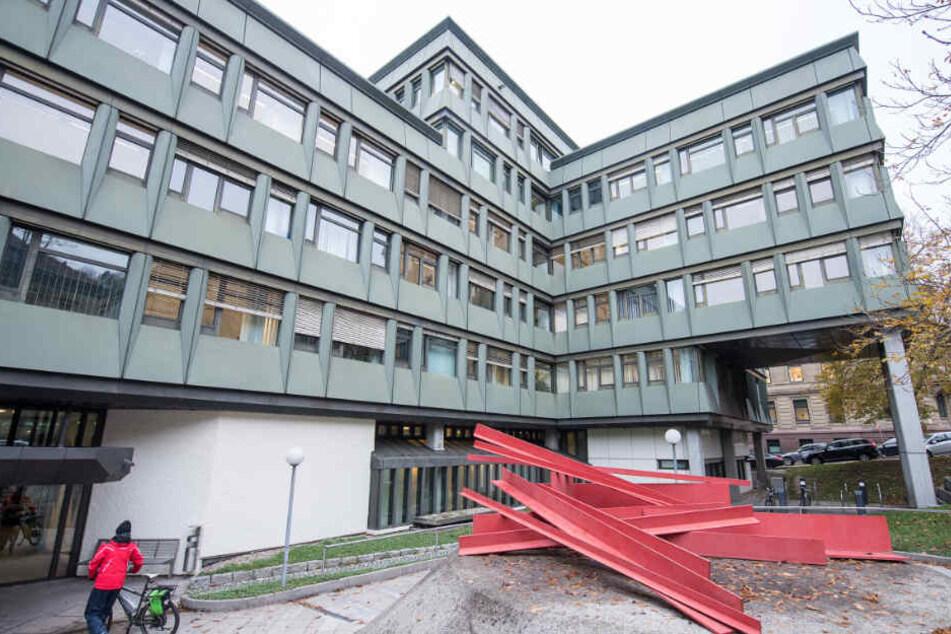 Das Urteil, eine Gefängnisstrafe von zweieinhalb Jahren, wurde am Dienstag vor dem Oberlandesgericht Stuttgart ausgesprochen.