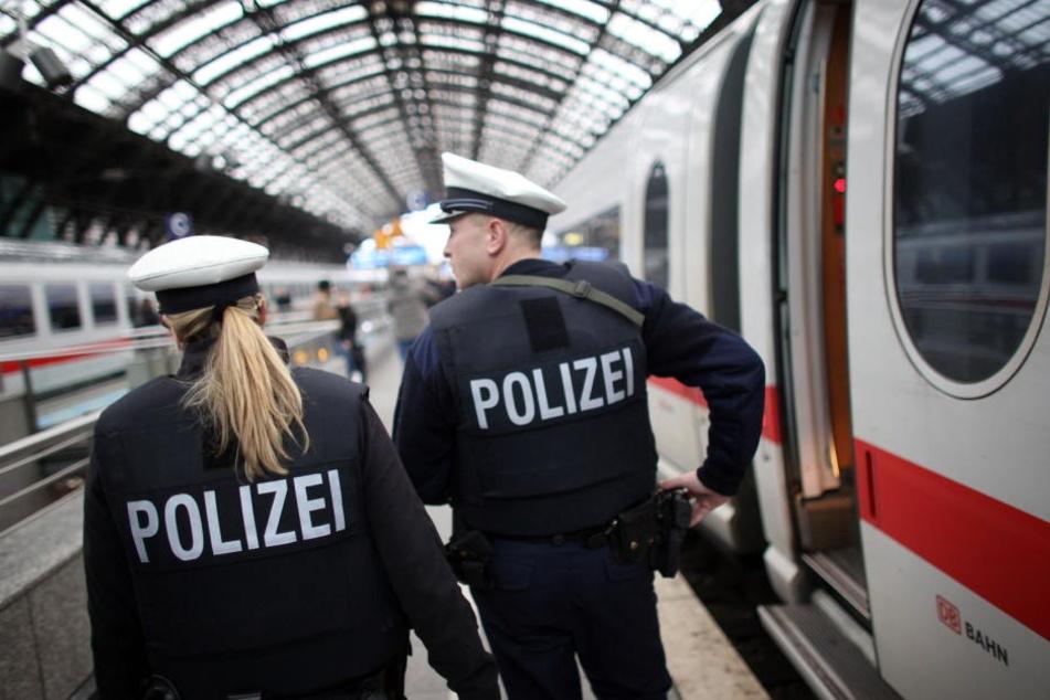 Die Bundespolizei griff den verletzten Jungen auf (Symbolbild).