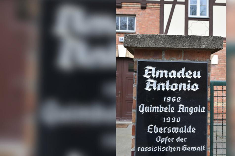 Von Neonazis ins Koma geprügelt: Gedenken an Amadeu Antonio (†28)