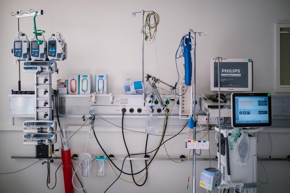 Oberarzt soll Corona-Patienten tödliche Arznei verabreicht haben: U-Haft!
