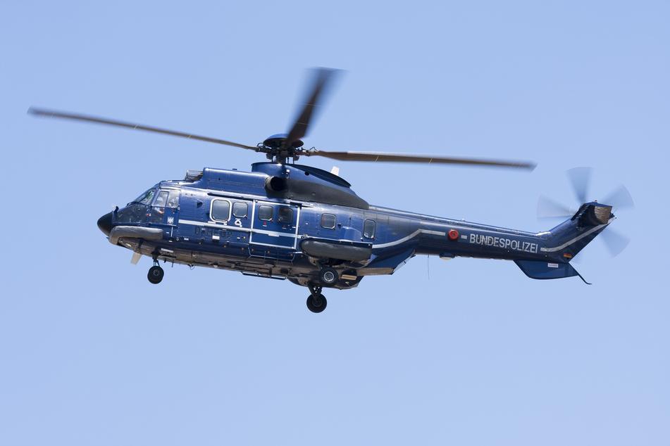 Köln: Trio will Geldautomat sprengen: Kölner Polizei sucht mit Hubschrauber nach den Flüchtigen