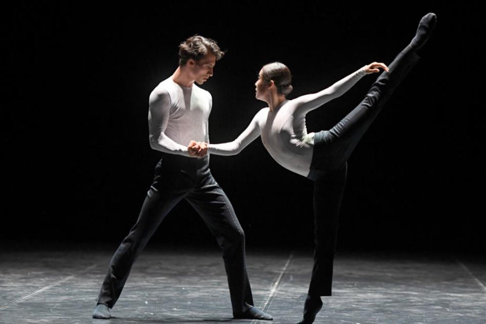 Tänzer des Stuttgarter Balletts werden bald im ehemaligen Paketpostamt auftreten.