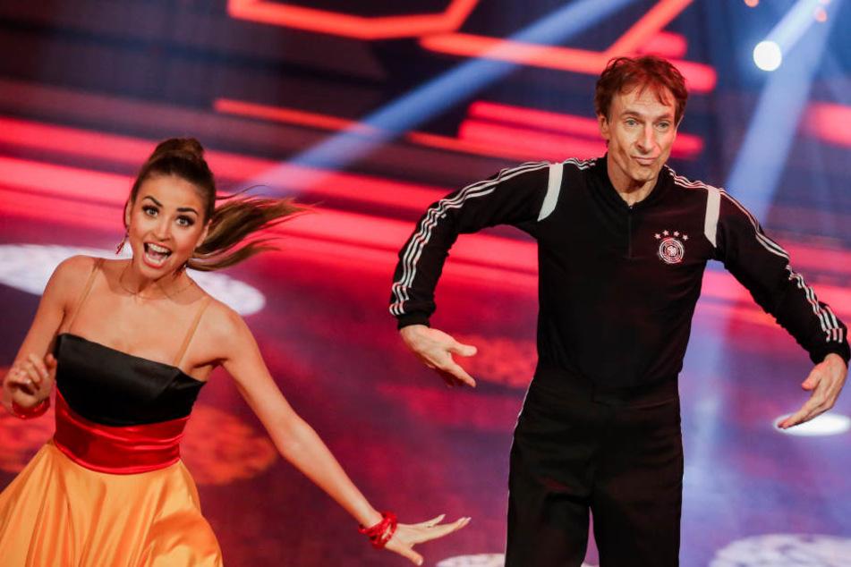 """Auch in ihren anderen Tänzen, einem Quickstep und einem Tango, blieben die """"Let's Dance""""-Sieger fehlerfrei und holten die meisten Punkte."""