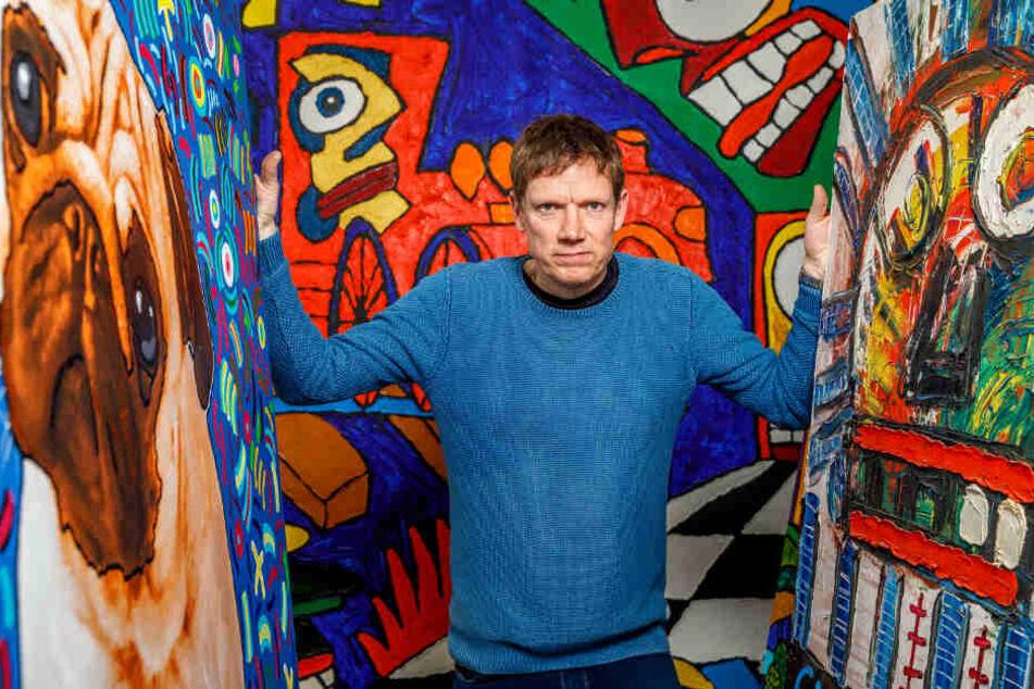 """Michael Fischer (50) - Künstlername Michael Fischer-Art - war Maurer und Hausmeister, bevor er an der Hochschule für Grafik und Buchkunst sein Diplom machte. Markenzeichen seiner Werke sind satte Farben, große Flächen und comicartige """"Muppets""""-Figuren."""