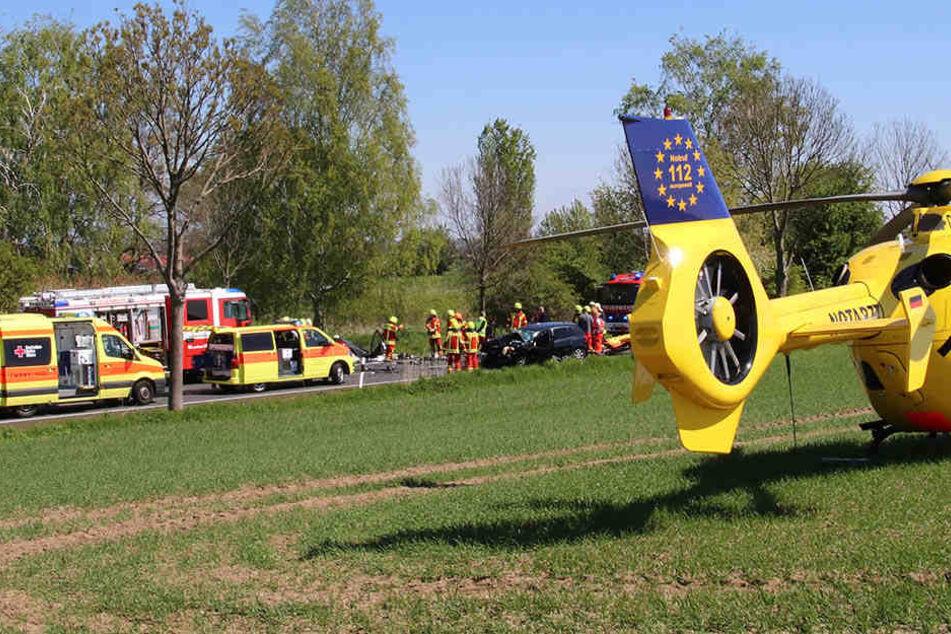 Zwei Rettungshubschrauber wurden angefordert. Doch für vier Menschen kam jede Hilfe zu spät.