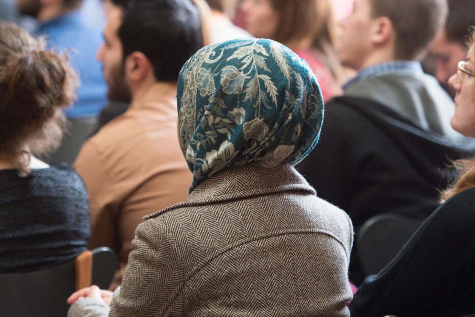 Umstrittene Kopftuch-Konferenz weiter im Fokus: Massive Sicherheitsvorkehrungen!