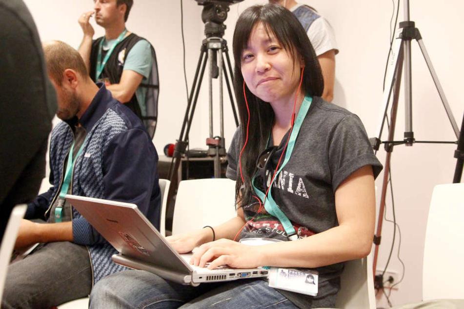 """Yukiko Sumi (39),Korrespondentin der japanischen Sportzeitschrift """"Hochi Shimbun"""" berichtete über das Spiel gegen den HSV."""