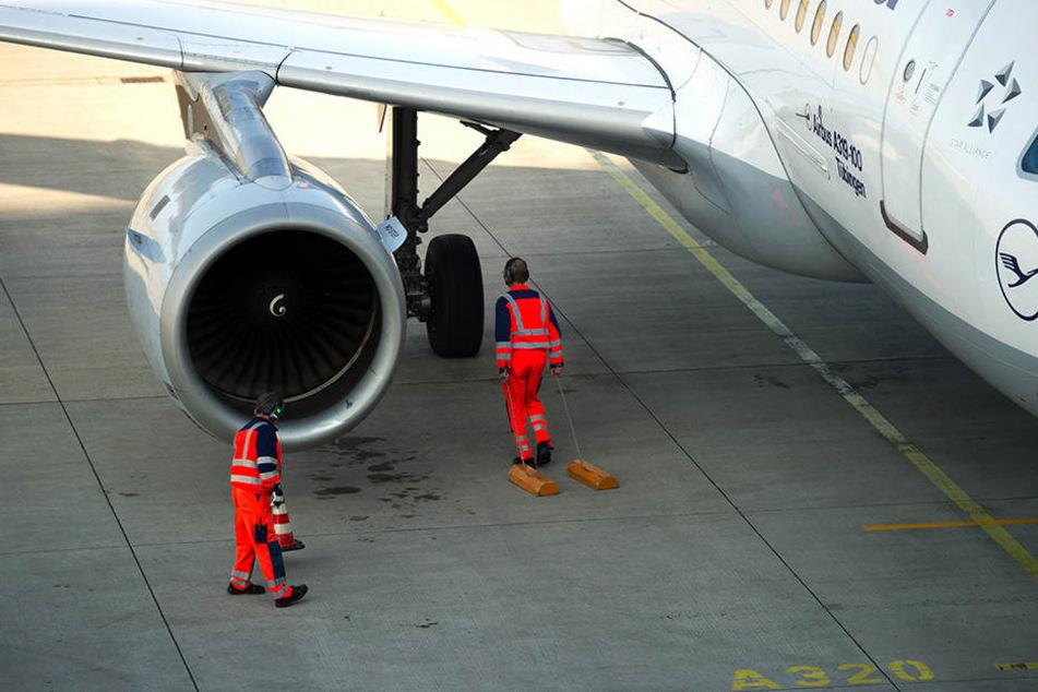 Die Zahl der Beschäftigten an mitteldeutschen Flughäfen stieg im vergangenen Jahr um über sechs Prozent an.