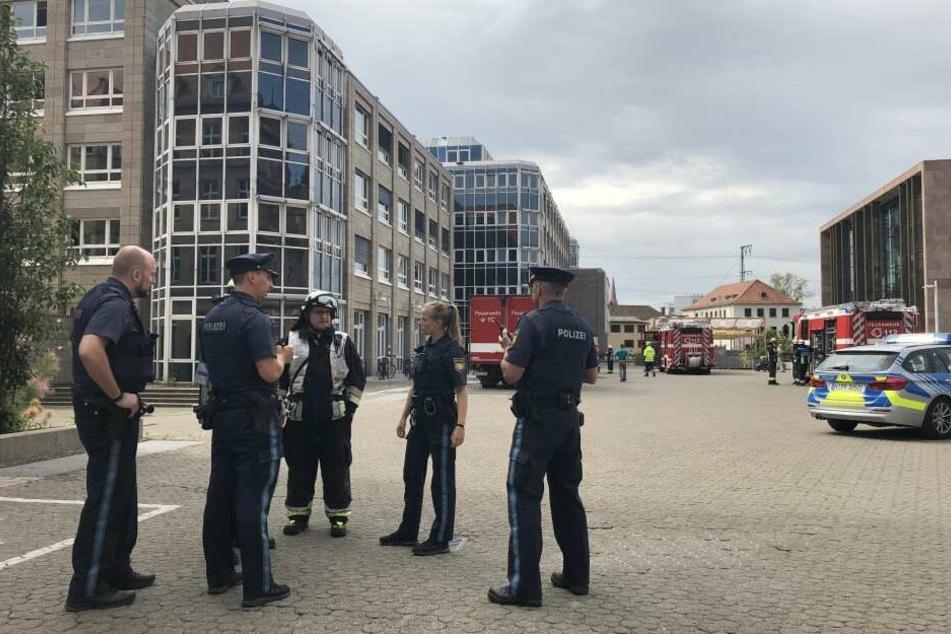 Das Gebäude in der Nürnberger Innenstadt wurde zeitweise geräumt, konnte später aber wieder freigegeben werden.