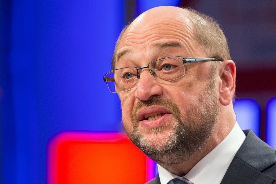 Die Pläne von Martin Schulz (61, SPD) würden nicht nur Konzerne, sondern auch Fußballvereine möglicherweise hart treffen.